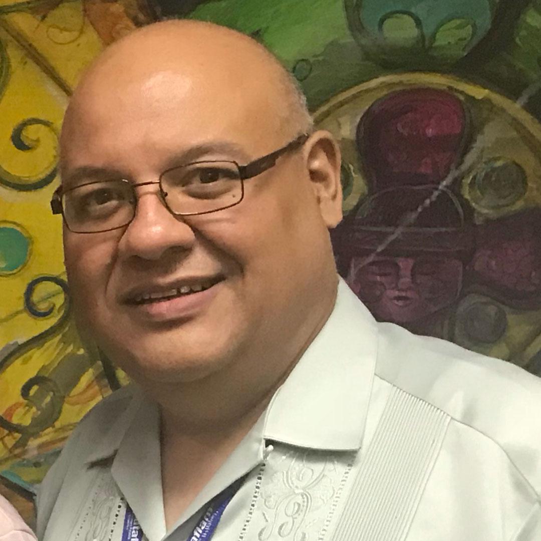 Dr. Alexis Leon
